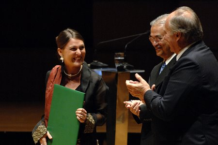 Anna Heringer recieves Aga Khan Award 2007